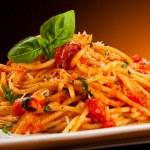 pasta con salsa di pomodoro e parmigiano — Foto Stock #33455217