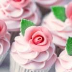 Wedding cupcakes — Stock Photo #3828976