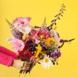 Mixed garden bouquet flowers — Stock Photo #12041794