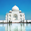 World wonder Taj Mahal in soft daily light — Stock Photo #9177235