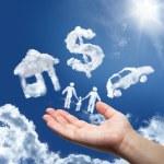 sueños en el cielo: coche, casa, dinero y familia — Foto de Stock   #32108539