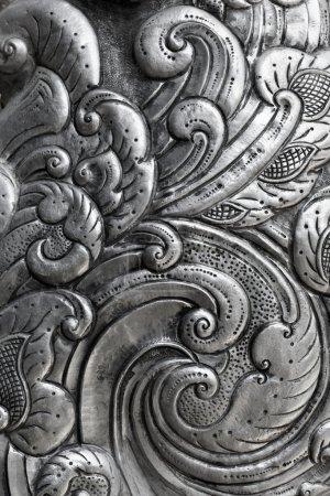 雕刻在银、 背景上