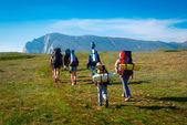 徒步旅行者集团在克里米亚徒步旅行