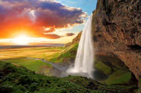 瀑布,冰岛-seljalandsfoss